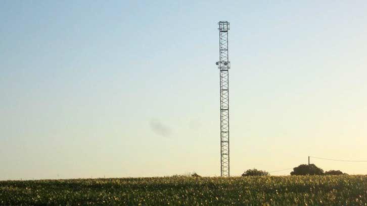 torre-comunicaciones-01