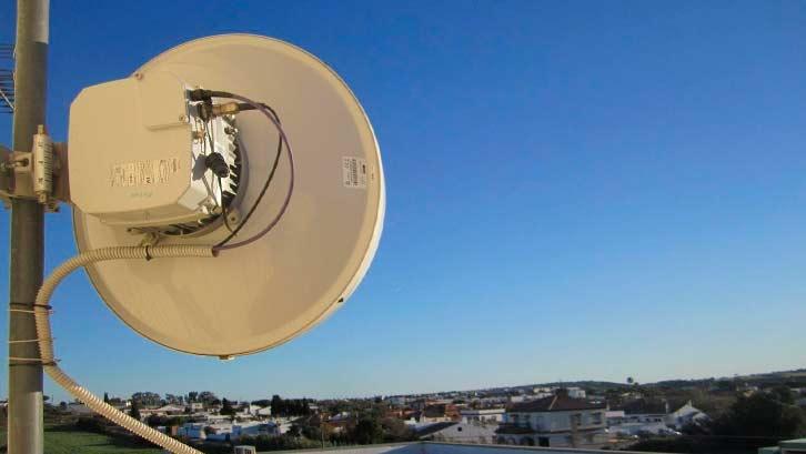 torre-comunicaciones-02